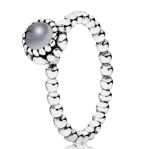 PANDORA GREY MOONSTONE RING!! (SZ 8)